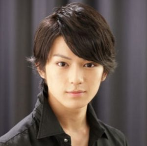 新田真剣佑の弟(ゴートン)のイケメン画像。高校は岡山?母親は?